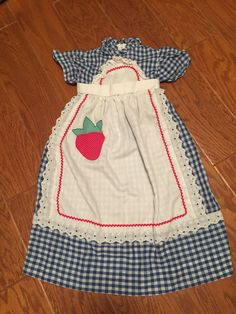 Vintage little girls Youngland blue gingham strawberry GUNNE SAX style Filles  #Youngland #prairie