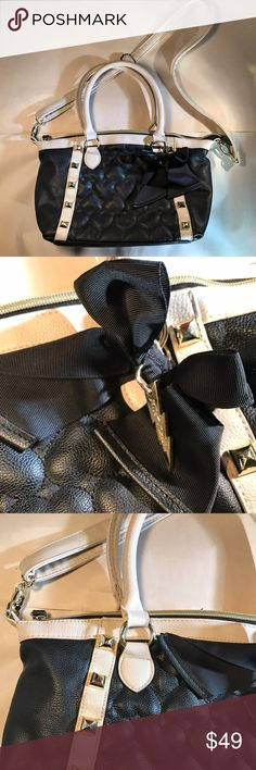 EUC Betsey Johnson handbag Betsy Johnson quilted hearts bag with shoulder straps and cross body strap. Excellent used condition with no  flaws. Check out my other listings for a bundle discount! Betsey Johnson Bags Shoulder Bags