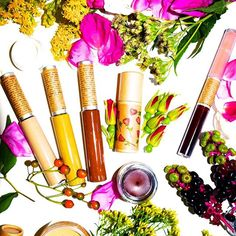 Dreams from the Fall Collection 💐: this collection was about introducing items after being requested over this year as well as visions of new products I needed to create. Our new mascara shades: Desert Sands, Sun and Earth were inspired by simply the idea of painting your face with plants. I love using any one of these to not only try out an avant garde mascara color, but I love painting my eye brows over to make them extra huge!! 🌈 Makeup can be used in our own interpretation and I don't…