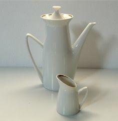brusel expo '58: Praha 1958 Mid Century Design, Brussels, Tea Pots, Tableware, Porcelain Ceramics, Dinnerware, Tablewares, Tea Pot, Dishes