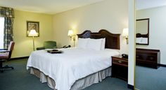 Hampton Inn Winchester Winchester Located in Winchester, Virginia, this hotel offers a free hot daily breakfast and free high-speed internet access. Shenandoah University and the Glen Burnie House-Gardens are minutes from the hotel.