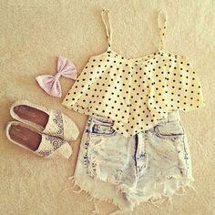 light wash high waist shorts w/ cream & blue polka dot crop top