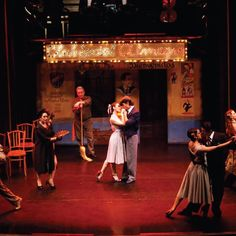 Cine foro tango - Carlos Gardel a cargo de Duval Barrezueta AF Centro 6 de octubre 19:00 Entrada libre