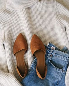 outfit flatlay outfit flatlay Source by dawndi The post outfit flatlay appeared first on How To Be Trendy. outfit flatlay outfit flatlay Source by dawndi The post outfit flatlay appeared first on How To Be Trendy. Fall Winter Outfits, Autumn Winter Fashion, Spring Outfits, Outfit Summer, Winter Style, Women's Shoes, Jeans Shoes, Shoes Sneakers, Fall Shoes