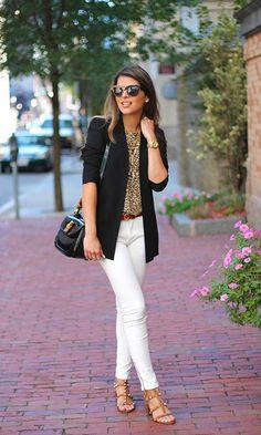 fab459790c8718 Look  Blazer + Animal Print Valentino Sandals