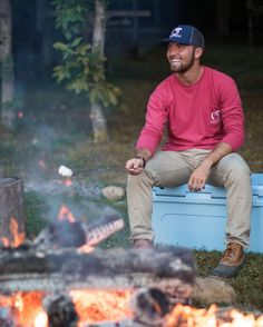 Mens Fashion Tracksuits - Men's fashion, style shapes and clothing tips Southern Mens Style, Southern Fashion, Preppy Southern, Southern Comfort, Southern Charm, Country Style, Rugged Style, Nice Clothes For Men, Prep Outfits