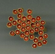 Jacqueline Ryan - ring - 18kt gold and corals(viaGalerie Slavik, No. 103729)