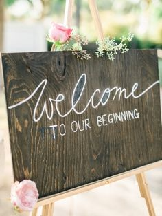 Wooden wedding signs are always welcoming #RYW