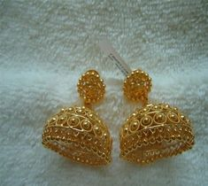 Newest Gold and platinum Jewelry Designs and Collections for youthswomens and g Buy Gold Jewellery Online, Gold Jewellery Design, Fashion Jewellery, Women's Fashion, Gold Fashion, Fashion Necklace, Gold Jhumka Earrings, Gold Earrings Designs, Jewellery Earrings