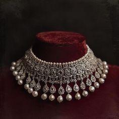Diamond Jewellery Designs With Price In Hyderabad and American Diamond Jewellery Wholesalers Mumbai. Jewellery Stores Pavilion yet Natural Diamond Jewelry From India Indian Jewelry Sets, Indian Wedding Jewelry, Bridal Jewelry Sets, Fine Jewelry, Modern Jewelry, Pakistani Jewelry, Bridal Jewellery Designs, Jewelry Making, Contemporary Jewellery