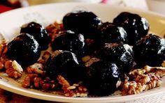 """""""Gelecek yüzyılın meyvesi"""" olarak görülen ceviz ile lezzetli tarifler... http://www.sofra.com.tr/Koleksiyon/Diger/2015/01/16/doganin-mucizesi"""