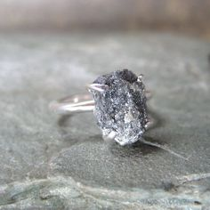 3 ct. rough diamond solitare lmountz