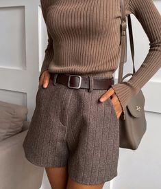 International Shopping: Shop women's fashion that ships internationally School Fashion, Fashion 2020, Look Fashion, Fashion Outfits, Cute Casual Outfits, Stylish Outfits, Fall Outfits, Fall Dresses, Fall Fashion Trends