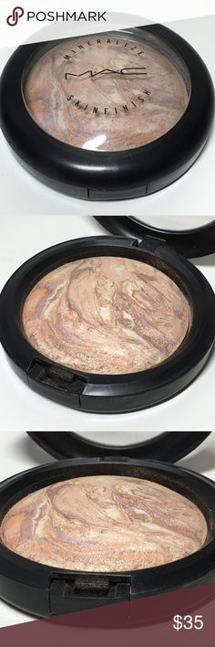 Mac Cosmetics Used Perfect Topping MSF 100% Mac Cosmetics lightly used Perfect Topping MSF Mineralize Skinfinish. 100% Authentic. Sugarsweet Collection.  Batch code: AA8. No box. Some small scratches from storage. Please see pictures as this is the actual item you will receive. Please feel free to ask any questions and I will get back to you as soon as possible. Thank you! MAC Cosmetics Makeup Face Powder