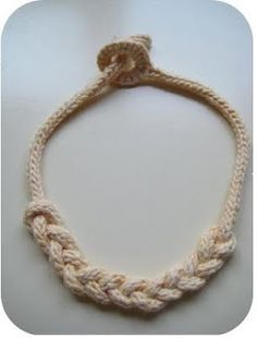 Knotty Knitted Necklace - this pattern requires very basic and simple crochet, knitting, and knotting techniques - step by step tutorial