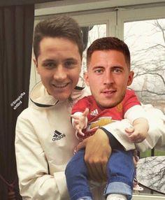 Herrera theo sát từng bước chân của cậu bé Hazard - Sau Giờ Bóng Lăn