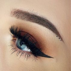 the perfect eye Lashes in No. currently out of stock until October Makeup Goals, Makeup Inspo, Makeup Inspiration, Makeup Tips, Makeup Tutorials, Makeup Ideas, Kiss Makeup, Eyebrow Makeup, Face Makeup