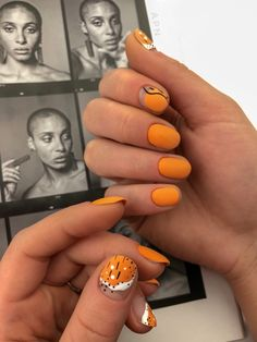 The temperamental gold-tone nails are perfect for any season. Whether it is a pearlescent gold eye shadow or a rose gold that is emitted fromContinue ATTRACTIVE NAIL ART INSPIRATION Rose Gold Nails, Yellow Nails, Matte Nails, Stiletto Nails, Coffin Nails, Acrylic Nails, Orange Nail Art, Solid Color Nails, Nail Colors