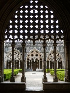 Portugal, Batalha monastery - Erected in commemoration of the 1385 Battle of Aljubarrota, and would serve as the burial church of the 15th-Century Aviz dynasty of Portuguese royals. It is one of the best and original examples of Late Gothic architecture in Portugal, intermingled with the Manueline style.