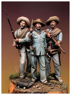 Spanish officer and soldiers, Cuba, 1898 Military Figures, Military Art, Military History, The Spanish American War, American Civil War, Samurai, Miniature Figurines, Le Far West, Figure Model