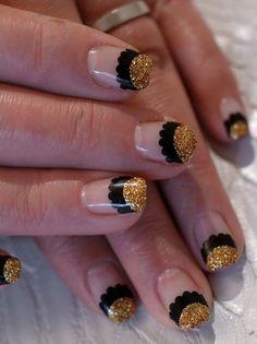 ☆人気のラウンドダブルフレンチ、ブラック×ゴールド☆の画像 | パリのネイルサロン Bijoux nails Paris