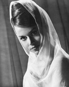 Jane Fonda. S)