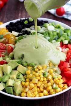 Easy and delicious gluten-free recipe of a vegan Mexican chopped salad with avocado dressing. Perfect lunch salad, packed with dietary fiber and protein. Chicken Salad Recipes, Healthy Salad Recipes, Vegetarian Recipes, Mexican Chopped Salad, Plus Populaire, Happy Kitchen, Xmas Food, Side Dishes Easy, Clean Eating Snacks