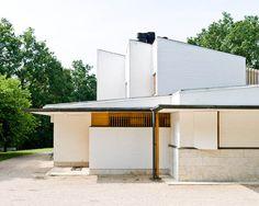Modern Private House Designed by Alvar Aalto: Maison Louis Carré | http://www.designrulz.com/design/2013/04/modern-private-house-designed-by-alvar-aalto-maison-louis-carre/