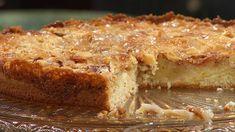 Saftig äppelkaka med knäckigt toscatäcke – godare än så blir det inte. Tareq Taylor, Sour Cream, Lasagna, Banana Bread, Ethnic Recipes, Desserts, Pasta, Food, Grilling