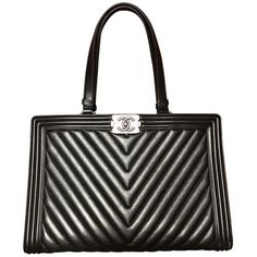 Boy leather tote CHANEL (66,700 MXN) ❤ liked on Polyvore featuring bags, handbags, tote bags, structured leather tote, leather purses, white leather tote, laptop tote bag and leather laptop tote