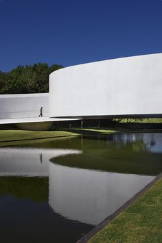 Gallery of Japanese Immigration Memorial / Gustavo Penna Arquiteto e Associados - 12 Space Architecture, Japanese Architecture, Gothic Architecture, Contemporary Architecture, Amazing Architecture, Gustavo Penna, Colani, Amazing Buildings, Brutalist