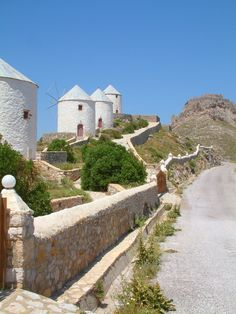 TRAVEL'IN GREECE | Hilltop windmills, #Leros, #Greece, #travelingreece Old Windmills, Greece Islands, Greece Travel, Countries Of The World, Day Trip, Holland, Scenery, Tower, Outdoors