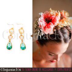 Preciosos y ligeros #pendientes dorados con cristales en tonos pastel, ideales para la época estival. Favorecen mogollón, te pongas lo que te pongas ★ Precio: 9,95 € en http://www.conjuntados.com/es/pendientes-dorados-con-cristales-en-tonos-pastel.html ★ #novedades #earrings #conjuntados #conjuntada #joyitas #jewelry #bisutería #bijoux #accesorios #complementos #moda #fashion #fashionadicct #picoftheday #outfit #estilo #style #GustosParaTodas #ParaTodosLosGustos