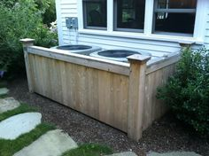 Fence hiding AC units - like this idea for a raised garden bed. Outside Living, Outdoor Living, Outdoor Landscaping, Outdoor Gardens, Ac Unit Cover, Ac Cover, Hide Ac Units, Air Conditioning Units, Backyard Plan