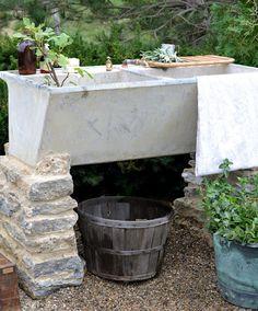 Outdoor Farm Sink : ... Want a Farm Sink on Pinterest Old sink, Farm sink and Garden sink