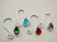 Easy to make charm holder. Very clever.