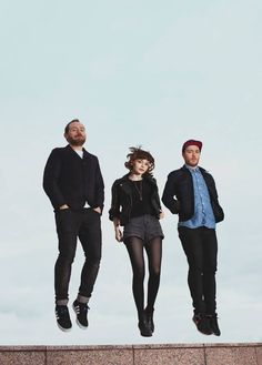 IF YOU LIKE INDIE POP/TECHNO/ELECTRONIC look up Chvrches you will love me forever