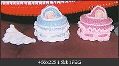 Cupcake Cradle Purse free pattern  by Champygirl via crochetville.org