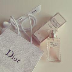 Miss Dior Parfum Pour Les Cheveux Miss Dior Hair Mist Miss Dior Perfume Para Cabelos www.crispinna.com.br