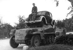 1943, Italie, Un Sd.Kfz. 250 surmonté d'une voiture civile… | Flickr