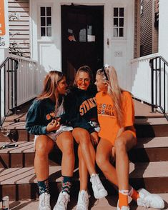 Insta pictures, bff pictures, cute photos, poses for pictures, friends are Cute Friend Pictures, Friend Photos, Cute Photos, Bff Pics, Best Friend Fotos, Foto Top, Cute Friends, Three Best Friends, Jolie Photo