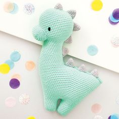 Do you want to crochet a cute dino? Then take a look at our free crochet pattern in Snaply magazine! Crochet Patterns Amigurumi, Crochet Blanket Patterns, Baby Patterns, Crochet Toys, Crochet Baby, Free Crochet, Knitting Patterns, Easy Crochet, Knit Crochet