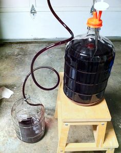 When to move your homemade wine to a secondary fermenter. Homemade Wine Recipes, Homemade Alcohol, Homemade Liquor, Wine And Liquor, Wine And Beer, Wine Drinks, Beverages, Beer Brewing, Home Brewing