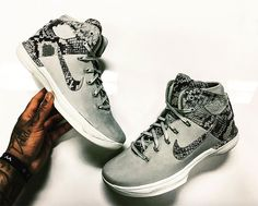 """The luxury-themed trims of the Air Jordan 31 continue to surface as we get a first look at an Air Jordan 31 """"Snakeskin"""", revealed by a Jordan Brand employee through Instagram. Featuring a grey suede and greyscale Snakeskin upper, this … Continue reading →"""