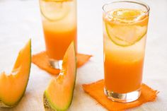 5 healthy juicing recipes to refresh your routine: Cantaloupe Agua Fresca, Carrot Orange Wake Up, Watermelom Agua Fresca, Pineapple and Citrus, Jicama Pear Juice Healthy Juice Recipes, Healthy Juices, Healthy Smoothies, Diet Recipes, Cantaloupe Smoothie, Juice Smoothie, Fresco, Fresca Drinks, Aguas Frescas