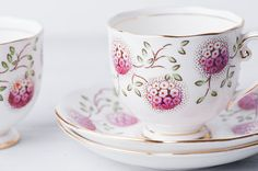 Pair of Vintage Teacups  Roslyn China by TheOldRedHen on Etsy, $36.00