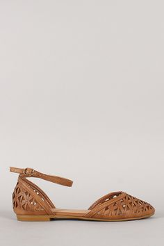 Bamboo Lynna-61 Ankle Strap Cut Out Round Toe Flat