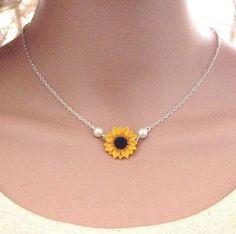 Cute Jewelry, Jewelry Gifts, Jewelery, Handmade Jewelry, Unique Jewelry, Sunflower Necklace, Sunflower Jewelry, Trendy Accessories, Jewelry Accessories