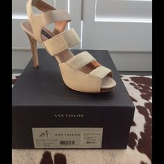 """Ann Taylor- worn once- high heel shoes Perfect condition high heel shoes in light tan 'stone' color leather and stretch material. Wood look stacked heel. Great neutral color!!! 4"""" heel with 1/4"""" platform. Ann Taylor Shoes"""