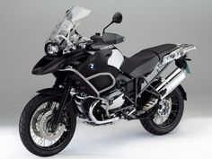 2012 BMW R1200GS Adventure Triple Black... wow!